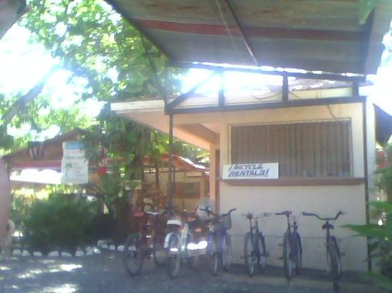 Cabinas Coco Azul: Bicycles rental and parking lot
