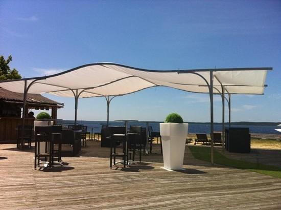Le Ponton Hydroland:                   terrasse extérieure