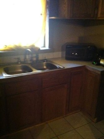 1884 Wildwood Bed and Breakfast Inn :                   kitchenette moroccan suite