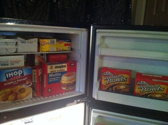 1884 Wildwood Bed and Breakfast Inn :                   fridge full of breakfast foods in moroccan suite