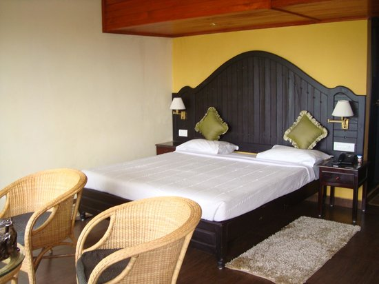 Camelot Resort: double bed