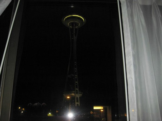 Best Western Executive Inn:                                                       space needle Night view from my bestwester