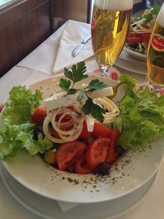 Restaurant Delphi:                   insalata greca