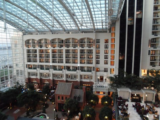 Gaylord National Resort & Convention Center: Inside Hotel