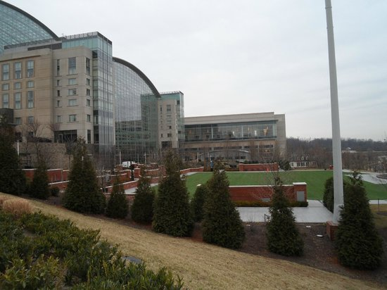 Gaylord National Resort & Convention Center: Outside Hotel