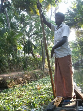 Nelpura Heritage Homestay:                   boatman
