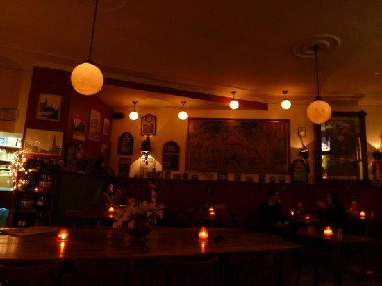Cafe de Oude Wester:                   Traditional dutch