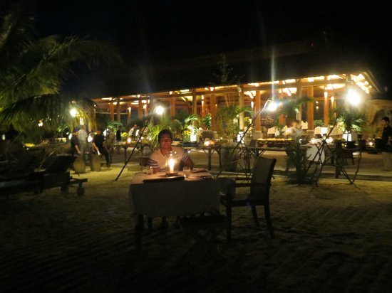 An Lam Ninh Van Bay Villas:                   BBQ Buffet Dinner on the Beach