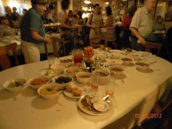 picture of mrs wilkes dining room savannah tripadvisor