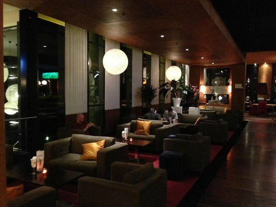 Radisson Blu Hotel Amsterdam Airport: Bar area