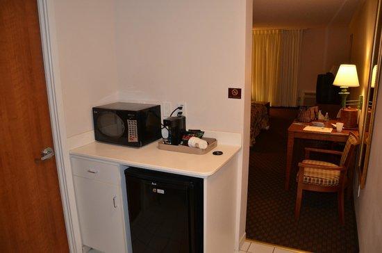 Best Western Ocean City Hotel & Suites: Kichenette