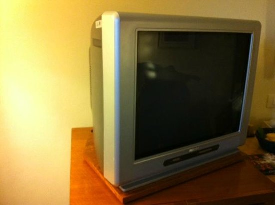 Shangri-La's Mactan Resort & Spa:                   Oldest TV ever. We had 2 rainy days and it hardly worked.