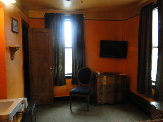 Hotel Monte Vista: Orange room