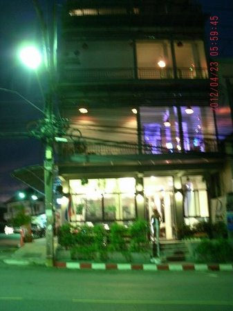 Pak-Up Hostel: Exterior