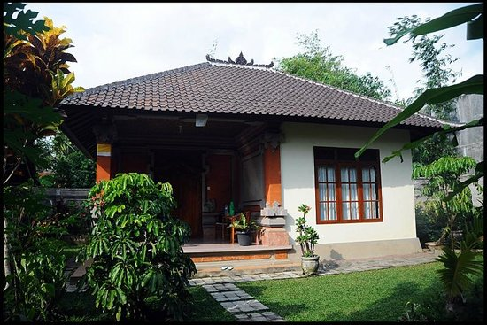 Gusti Kaler House :                   The mini-villa