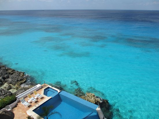 Puesta del Sol Condominiums Phase 2:                   Incredible clear water for snorkeling right at condo