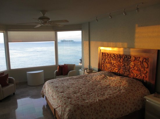 Puesta del Sol Condominiums Phase 2:                   Master bedroom has ocean view, comfy bed