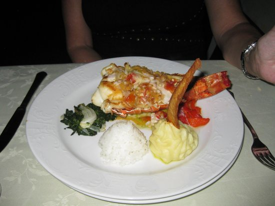 Hotel Playa Pesquero: Romantico Lobster Dinner!!!