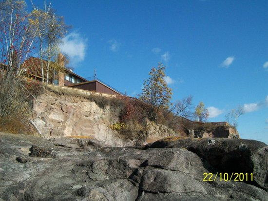 Chateau LeVeaux on Lake Superior:                   Looking up at hotel from Lake Superior edge