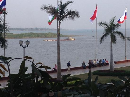 Mekong Imperial Boutique Guesthouse:                   Från balkongen