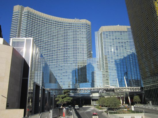 ARIA Resort & Casino: Nice but off the strip