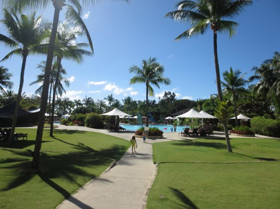 Shangri-La's Mactan Resort & Spa: Beautiful Sky and amazing gardens