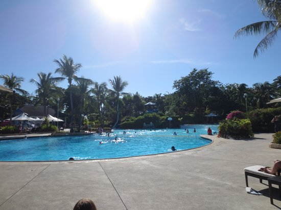 Shangri-La's Mactan Resort & Spa: Super pools
