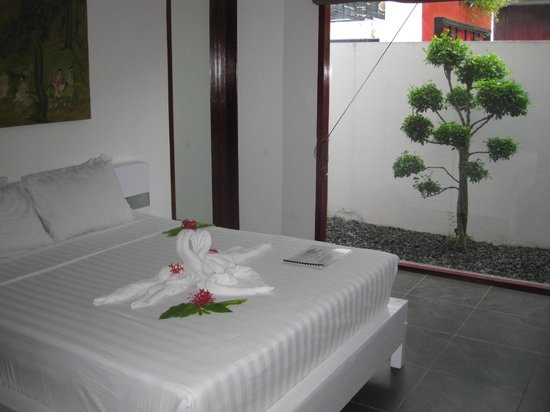 Bonsai Villas:                   Bed Room