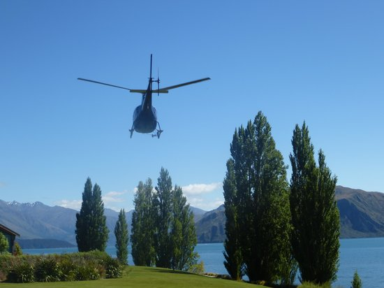 Wanaka Helicopters:                   on our way