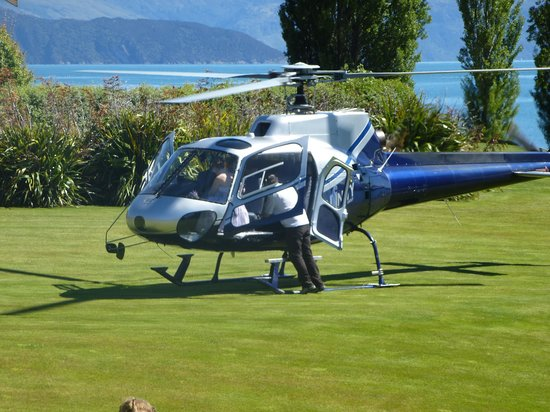 Wanaka Helicopters:                   getting on