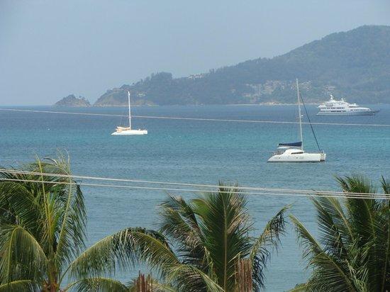 Baan Boa Resort:                   Вид на море снятый приближением, без стройки)