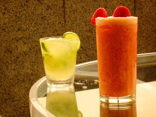 Majestic Rio Palace Hotel: cocteles servidos en el bar de la terraza