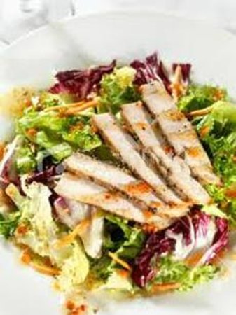 Billy Jack's Cafe and Grill: Chicken salad
