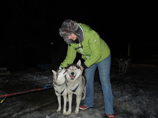 Great River Outfitters And The Path of Life Garden: dogsledding