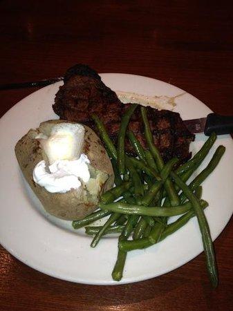 Houlihan's: steak green beans and potato!!!