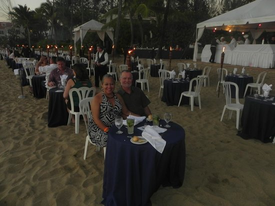 Rincon of the Seas Grand Caribbean Hotel: Dining under the stars