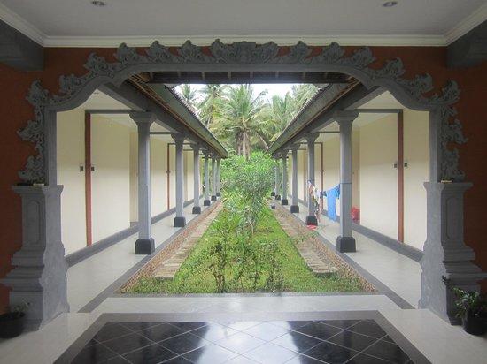 Ring Sameton Inn:                   Korridor