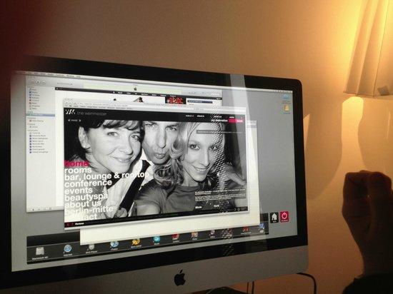 The Weinmeister:                   Em vez de televisão, um Mac em cada quarto
