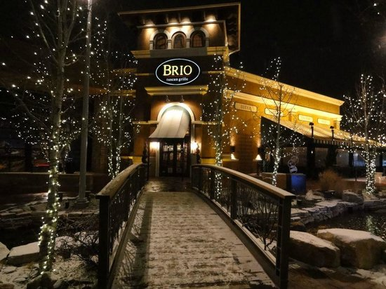 BRIO Tuscan Grille: outside - the vistas