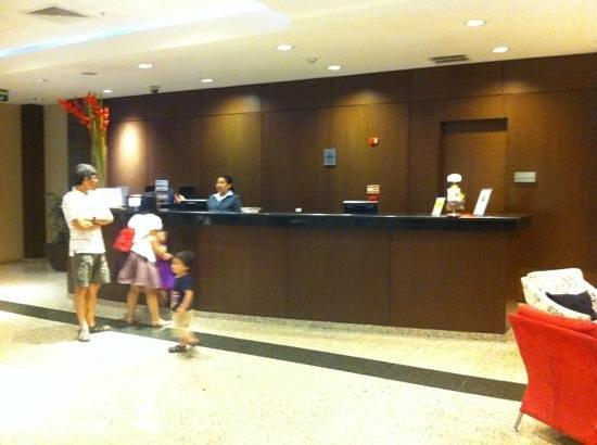 Hotel Ciudad de David:                   recepción
