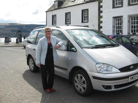 Kathleen Cameron, Scottish Tourist Guide: Kathleen in Inveraray