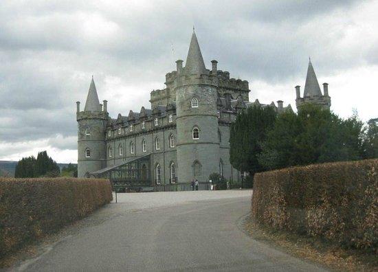 Kathleen Cameron, Scottish Tourist Guide: Inveraray Castle