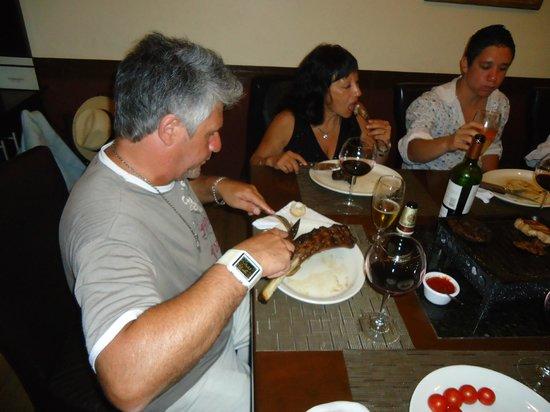 Terrazas Restaurante Parrilla Libre:                   mis padres comiendo