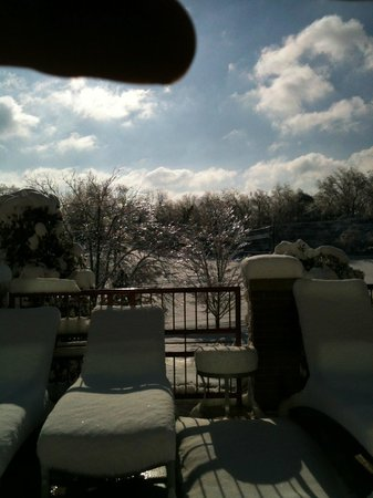Embassy Suites by Hilton Hot Springs:                                     What a beautiful day! especially from inside the warm pool a