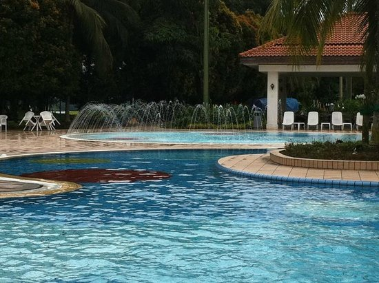 Orchid Country Club: fun pool