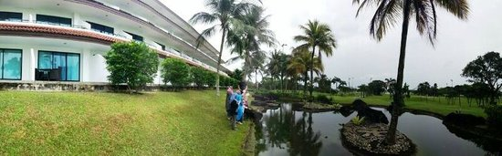 Orchid Country Club: 180deg resort view