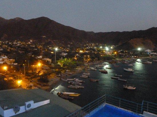 Hotel Bahia Taganga:                   Vista Noctura desde la habitacion