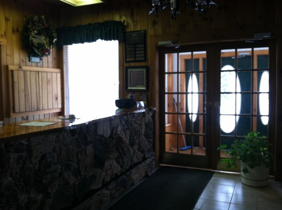 The Mountainview Resort :                   Front entry