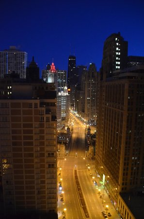 Hard Rock Hotel Chicago: 6:00am.