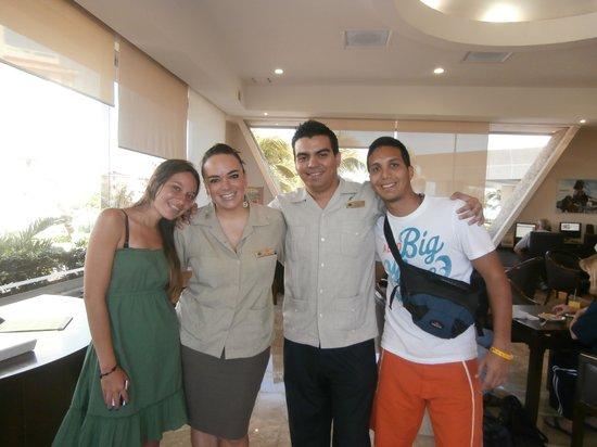 Royal Solaris Cancun:                   Sussy Y Marcos (Clase Premier)